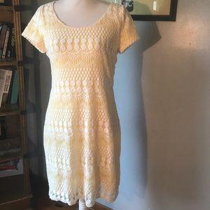 Tiana B lace and yellow dress ⭐️⭐️